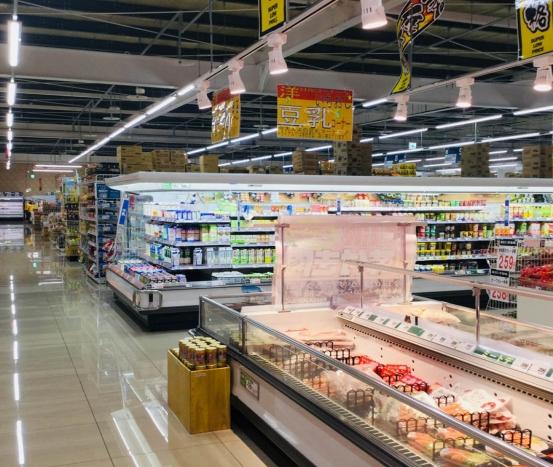 Serviço no caixa de supermercado